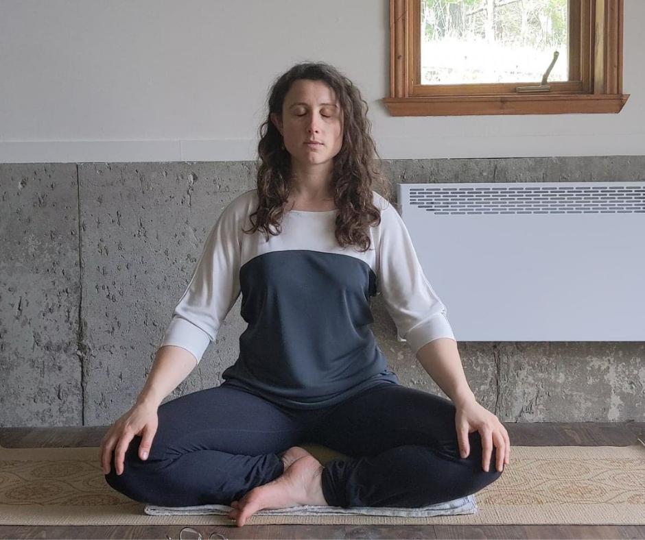 Posture de méditation birmane